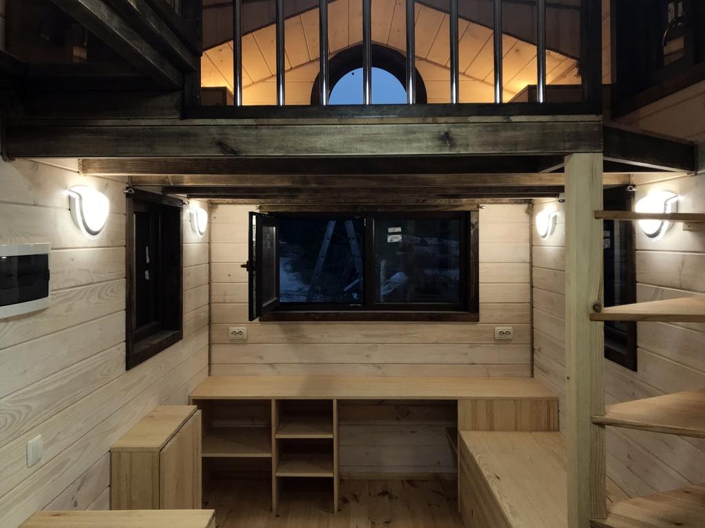 EuroTinyHouse-Victoria-Escalier-Bureau-Mezzanine-Chambre