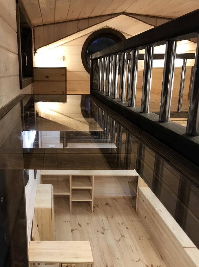 EuroTinyHouse-Victoria-Mezzanine-Bureau-Passerelle-en-Verre